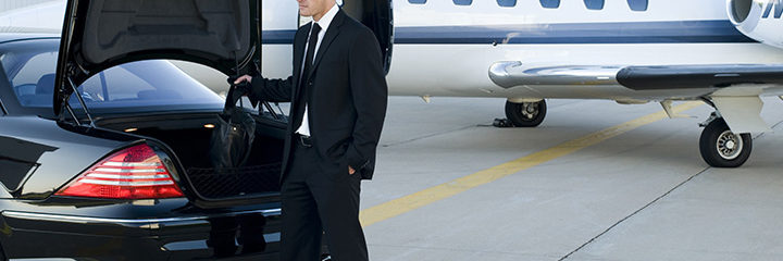 Earn The Benefits of Pre-Booking Your Chauffeured Service